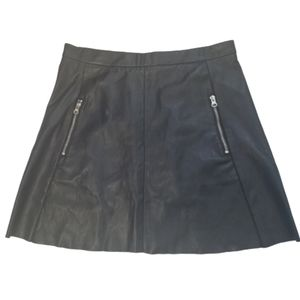 H&M Black Faux Leather Mini Skirt Zip Pockets 10